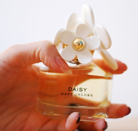 Daisy by Marc Jacobs blog review