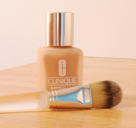 Superbalanced Makeup Clinique review